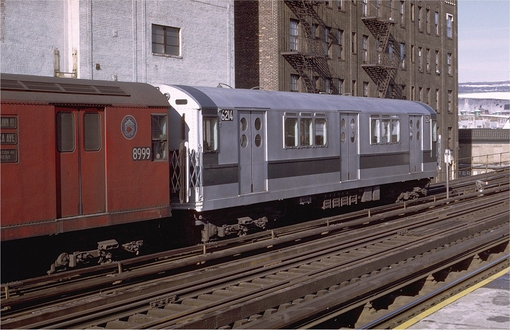 (231k, 1024x664)<br><b>Country:</b> United States<br><b>City:</b> New York<br><b>System:</b> New York City Transit<br><b>Line:</b> IRT Woodlawn Line<br><b>Location:</b> Fordham Road <br><b>Route:</b> 4<br><b>Car:</b> R-15 (American Car & Foundry, 1950) 6214 <br><b>Photo by:</b> Joe Testagrose<br><b>Date:</b> 1/2/1971<br><b>Viewed (this week/total):</b> 1 / 2521
