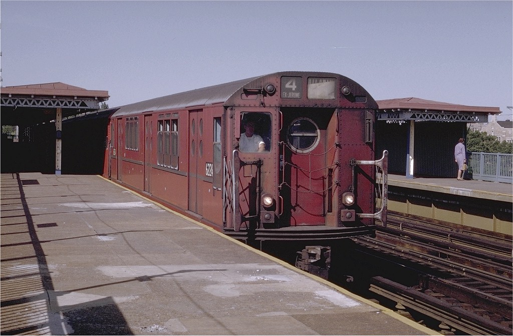 (189k, 1024x671)<br><b>Country:</b> United States<br><b>City:</b> New York<br><b>System:</b> New York City Transit<br><b>Line:</b> IRT Woodlawn Line<br><b>Location:</b> Bedford Park Boulevard <br><b>Route:</b> 4<br><b>Car:</b> R-15 (American Car & Foundry, 1950) 6224 <br><b>Photo by:</b> Joe Testagrose<br><b>Date:</b> 6/13/1970<br><b>Viewed (this week/total):</b> 0 / 2833