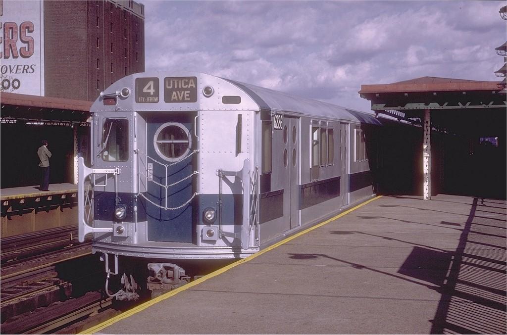 (193k, 1024x677)<br><b>Country:</b> United States<br><b>City:</b> New York<br><b>System:</b> New York City Transit<br><b>Line:</b> IRT Woodlawn Line<br><b>Location:</b> 170th Street <br><b>Route:</b> 4<br><b>Car:</b> R-15 (American Car & Foundry, 1950) 6226 <br><b>Photo by:</b> Joe Testagrose<br><b>Date:</b> 11/21/1970<br><b>Viewed (this week/total):</b> 0 / 2762