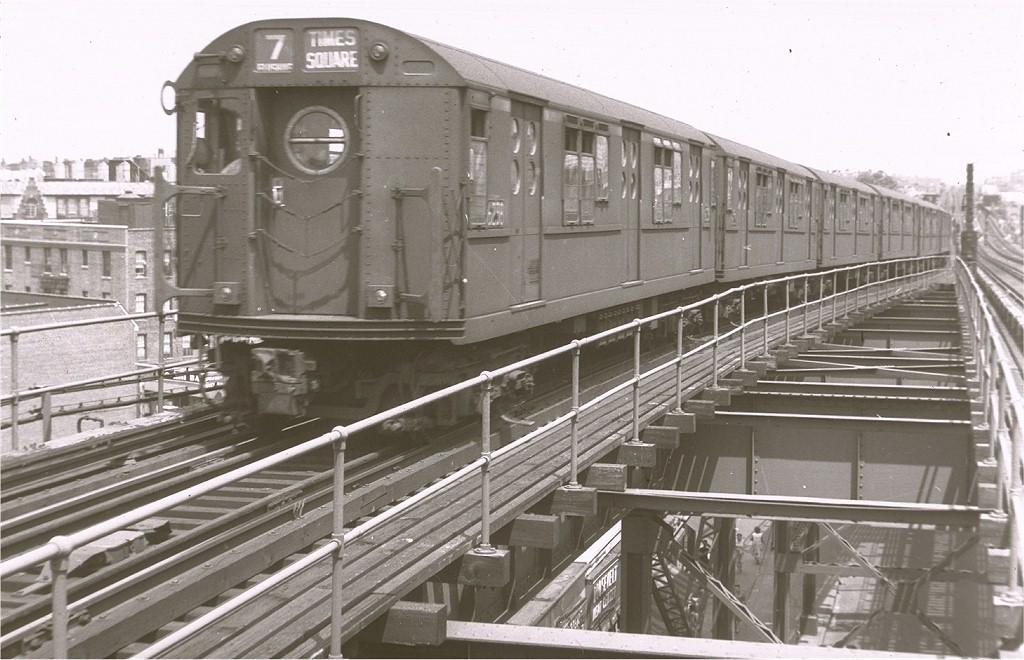 (188k, 1024x660)<br><b>Country:</b> United States<br><b>City:</b> New York<br><b>System:</b> New York City Transit<br><b>Line:</b> IRT Flushing Line<br><b>Location:</b> 61st Street/Woodside <br><b>Route:</b> 7<br><b>Car:</b> R-15 (American Car & Foundry, 1950) 6238 <br><b>Photo by:</b> Harry Pinsker<br><b>Date:</b> 6/23/1959<br><b>Viewed (this week/total):</b> 1 / 4365