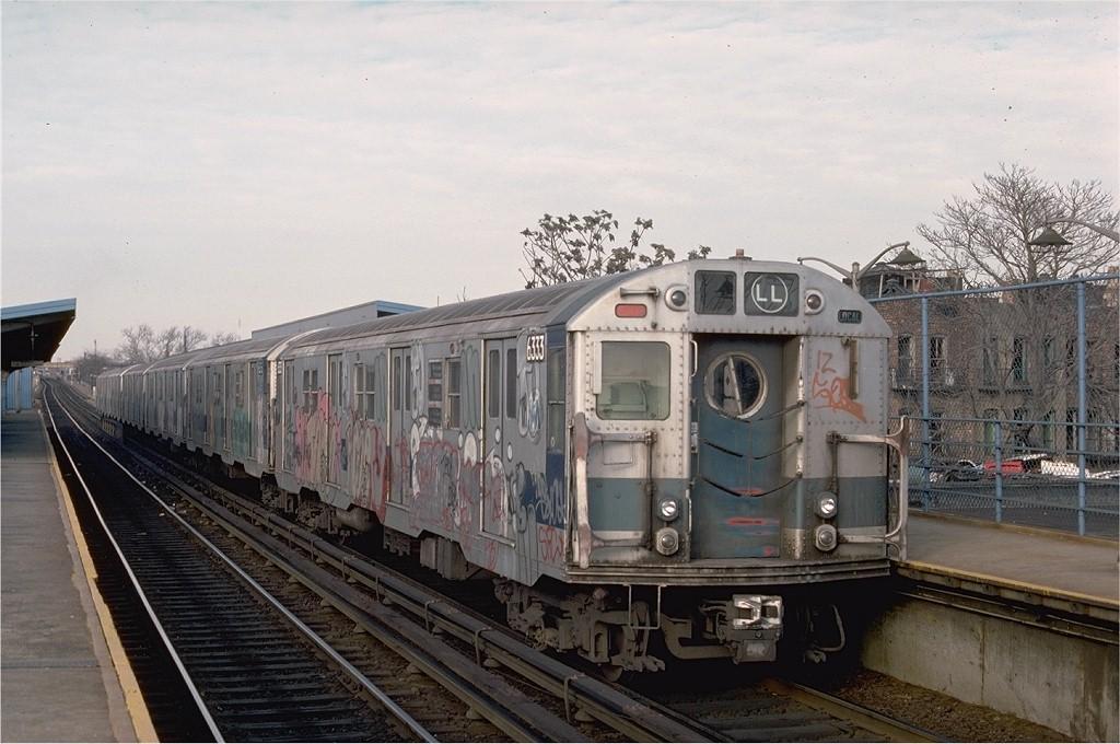 (188k, 1024x680)<br><b>Country:</b> United States<br><b>City:</b> New York<br><b>System:</b> New York City Transit<br><b>Line:</b> BMT Canarsie Line<br><b>Location:</b> New Lots Avenue <br><b>Route:</b> LL<br><b>Car:</b> R-16 (American Car & Foundry, 1955) 6333 <br><b>Photo by:</b> Ed McKernan<br><b>Collection of:</b> Joe Testagrose<br><b>Date:</b> 12/22/1976<br><b>Viewed (this week/total):</b> 3 / 4413