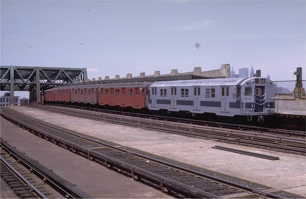 (210k, 1024x666)<br><b>Country:</b> United States<br><b>City:</b> New York<br><b>System:</b> New York City Transit<br><b>Line:</b> IND Crosstown Line<br><b>Location:</b> Smith/9th Street <br><b>Route:</b> GG<br><b>Car:</b> R-16 (American Car & Foundry, 1955) 6379 <br><b>Photo by:</b> Doug Grotjahn<br><b>Collection of:</b> Joe Testagrose<br><b>Date:</b> 6/13/1970<br><b>Viewed (this week/total):</b> 0 / 3354