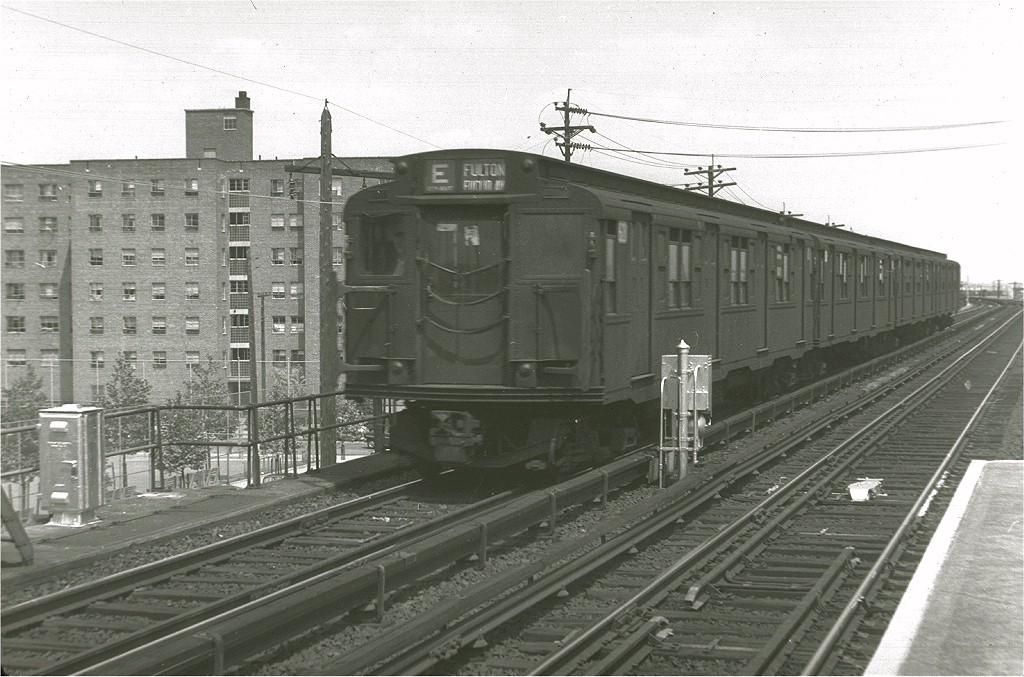 (203k, 1024x677)<br><b>Country:</b> United States<br><b>City:</b> New York<br><b>System:</b> New York City Transit<br><b>Line:</b> IND Rockaway<br><b>Location:</b> Beach 60th Street/Straiton <br><b>Route:</b> E<br><b>Car:</b> R-4 (American Car & Foundry, 1932-1933) 623 <br><b>Photo by:</b> Harry Pinsker<br><b>Date:</b> 6/7/1960<br><b>Viewed (this week/total):</b> 1 / 6391