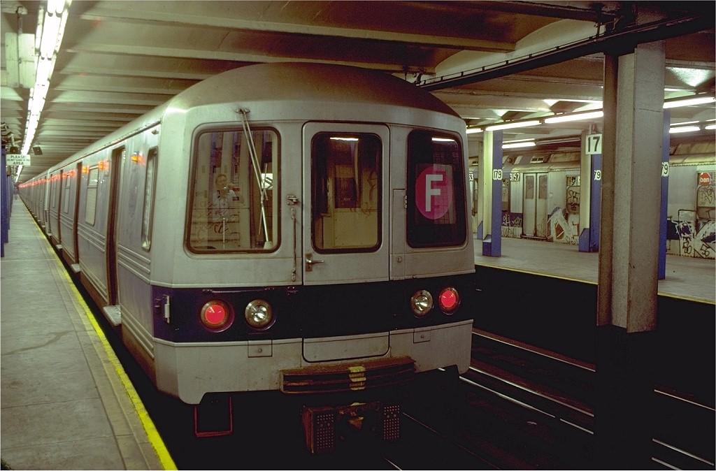 (174k, 1024x674)<br><b>Country:</b> United States<br><b>City:</b> New York<br><b>System:</b> New York City Transit<br><b>Line:</b> IND Queens Boulevard Line<br><b>Location:</b> 179th Street <br><b>Route:</b> F<br><b>Car:</b> R-46 (Pullman-Standard, 1974-75) 604 <br><b>Photo by:</b> Doug Grotjahn<br><b>Collection of:</b> Joe Testagrose<br><b>Date:</b> 8/12/1980<br><b>Viewed (this week/total):</b> 3 / 9270