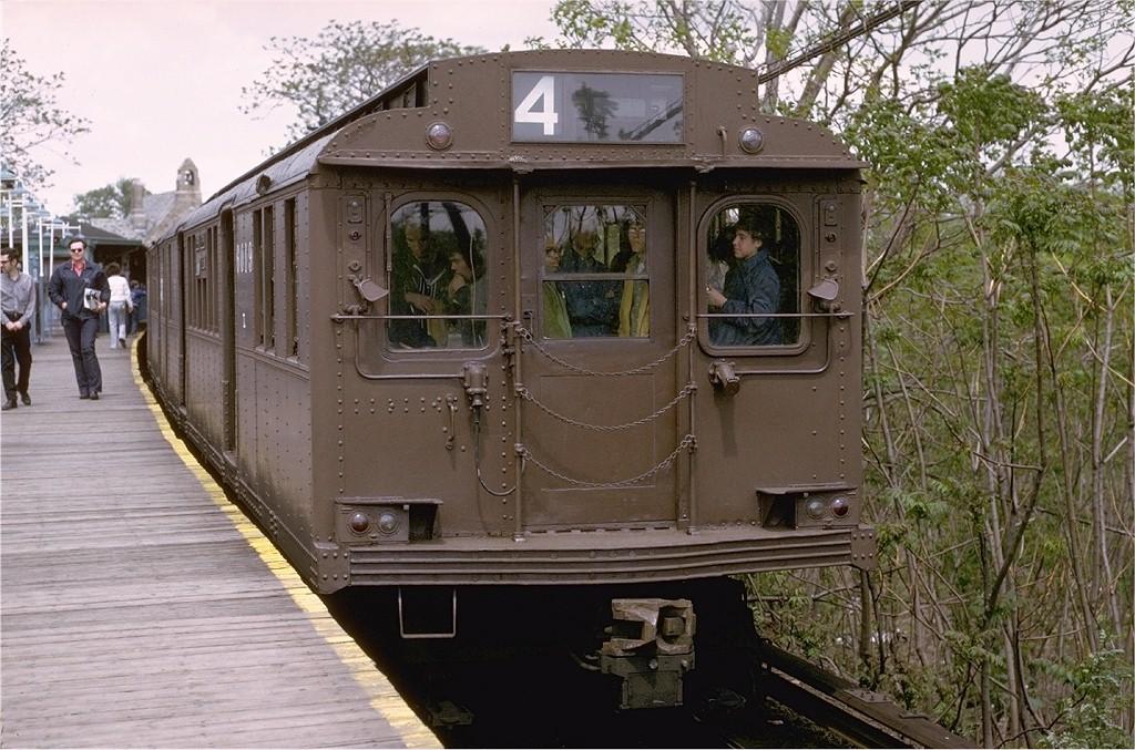 (233k, 1024x677)<br><b>Country:</b> United States<br><b>City:</b> New York<br><b>System:</b> New York City Transit<br><b>Line:</b> BMT Myrtle Avenue Line<br><b>Location:</b> Metropolitan Avenue <br><b>Route:</b> Fan Trip<br><b>Car:</b> BMT D-Type Triplex 6019 <br><b>Photo by:</b> Joe Testagrose<br><b>Date:</b> 5/13/1973<br><b>Viewed (this week/total):</b> 0 / 3839