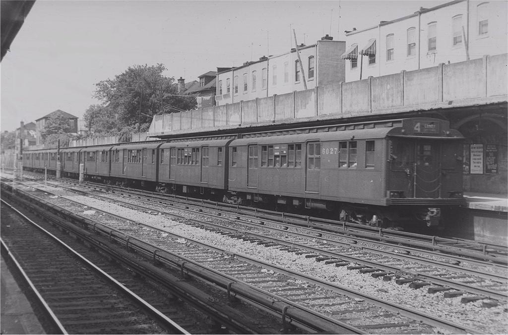 (209k, 1024x676)<br><b>Country:</b> United States<br><b>City:</b> New York<br><b>System:</b> New York City Transit<br><b>Line:</b> BMT Sea Beach Line<br><b>Location:</b> 86th Street <br><b>Route:</b> BMT 4<br><b>Car:</b> BMT D-Type Triplex 6027 <br><b>Photo by:</b> Harry Pinsker<br><b>Date:</b> 7/8/1960<br><b>Viewed (this week/total):</b> 0 / 4040