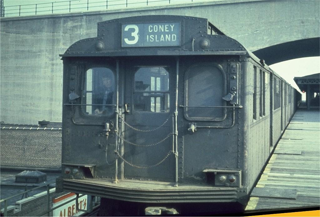 (199k, 1024x694)<br><b>Country:</b> United States<br><b>City:</b> New York<br><b>System:</b> New York City Transit<br><b>Line:</b> BMT Astoria Line<br><b>Location:</b> Ditmars Boulevard <br><b>Route:</b> 3<br><b>Car:</b> BMT D-Type Triplex 6061 <br><b>Photo by:</b> Joel Shanus<br><b>Collection of:</b> Joe Testagrose<br><b>Date:</b> 11/5/1963<br><b>Viewed (this week/total):</b> 0 / 4301