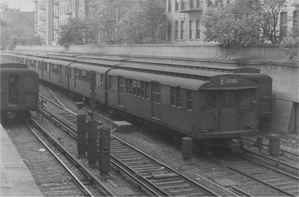 (208k, 1024x674)<br><b>Country:</b> United States<br><b>City:</b> New York<br><b>System:</b> New York City Transit<br><b>Line:</b> BMT Brighton Line<br><b>Location:</b> Prospect Park <br><b>Route:</b> 1-Brighton Express<br><b>Car:</b> BMT D-Type Triplex 6089 <br><b>Collection of:</b> Joe Testagrose<br><b>Viewed (this week/total):</b> 3 / 4357
