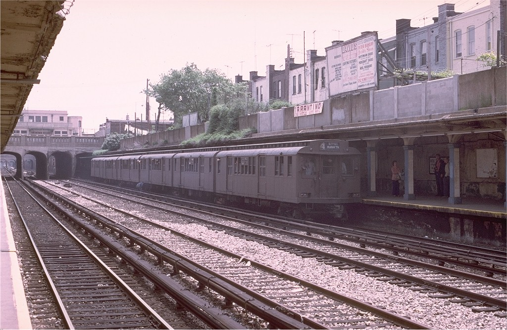 (244k, 1024x668)<br><b>Country:</b> United States<br><b>City:</b> New York<br><b>System:</b> New York City Transit<br><b>Line:</b> BMT Sea Beach Line<br><b>Location:</b> Kings Highway <br><b>Route:</b> Fan Trip<br><b>Car:</b> BMT D-Type Triplex 6095 <br><b>Photo by:</b> Joe Testagrose<br><b>Date:</b> 5/18/1975<br><b>Viewed (this week/total):</b> 0 / 3687