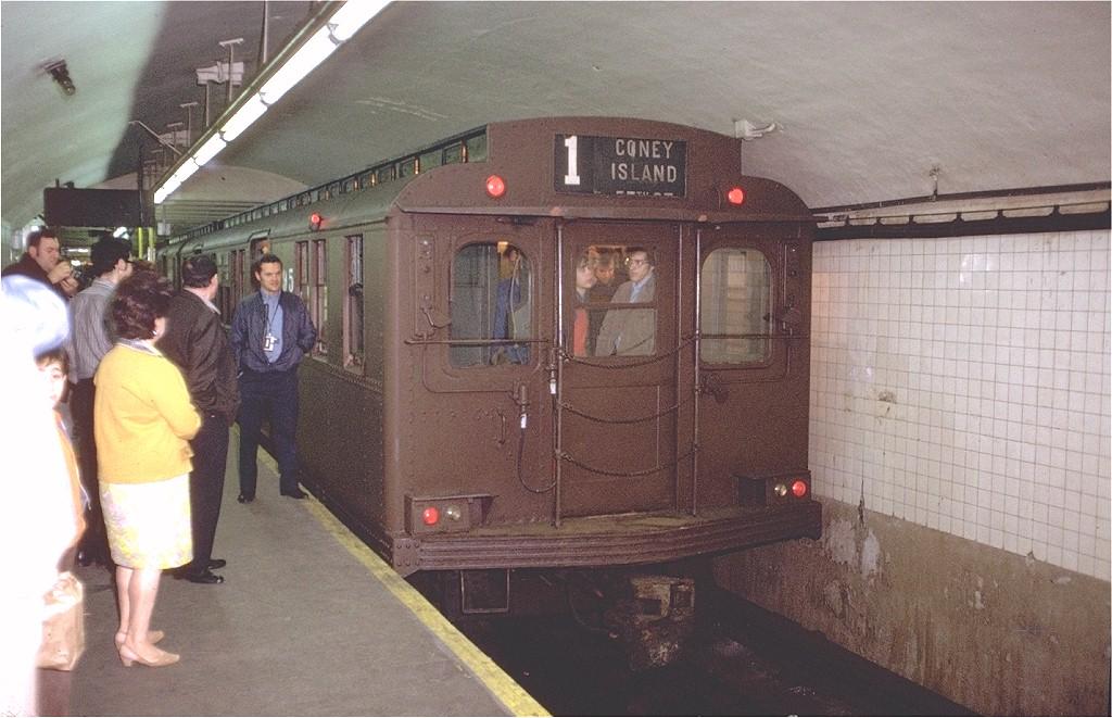 (195k, 1024x661)<br><b>Country:</b> United States<br><b>City:</b> New York<br><b>System:</b> New York City Transit<br><b>Line:</b> BMT Broadway Line<br><b>Location:</b> Canal Street Bridge Line <br><b>Route:</b> Fan Trip<br><b>Car:</b> BMT D-Type Triplex 6095 <br><b>Photo by:</b> Doug Grotjahn<br><b>Collection of:</b> Joe Testagrose<br><b>Date:</b> 5/13/1973<br><b>Viewed (this week/total):</b> 0 / 7026