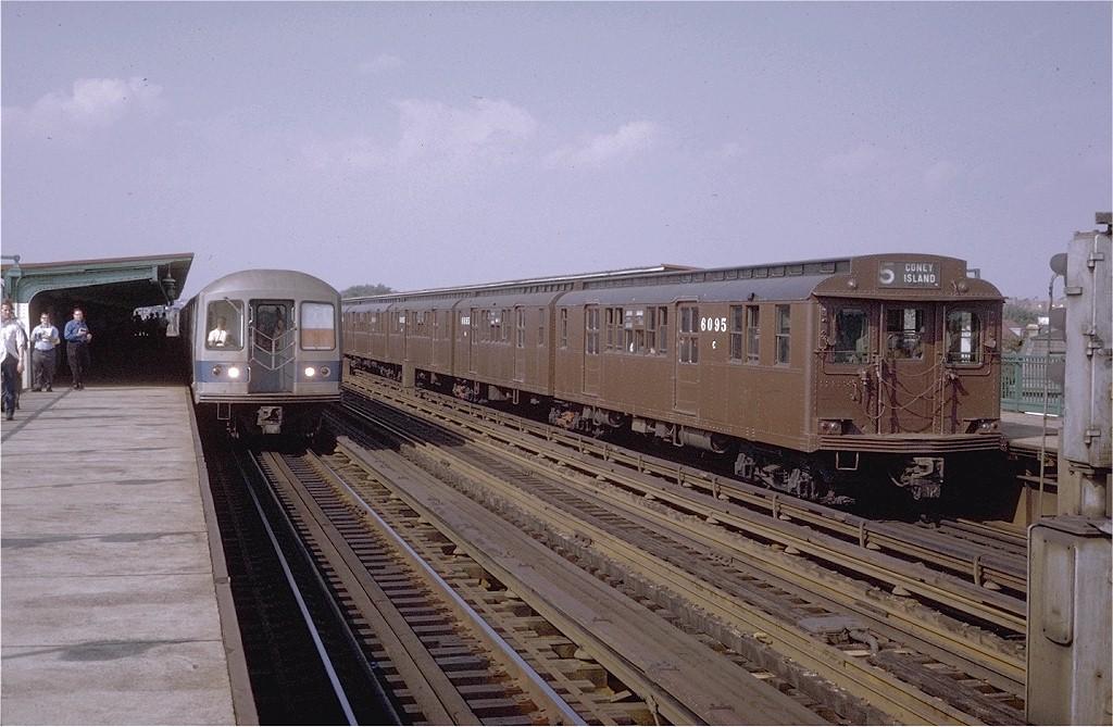 (193k, 1024x669)<br><b>Country:</b> United States<br><b>City:</b> New York<br><b>System:</b> New York City Transit<br><b>Line:</b> BMT Culver Line<br><b>Location:</b> Bay Parkway (22nd Avenue) <br><b>Route:</b> Fan Trip<br><b>Car:</b> BMT D-Type Triplex 6095 <br><b>Photo by:</b> Steve Zabel<br><b>Collection of:</b> Joe Testagrose<br><b>Date:</b> 9/20/1970<br><b>Viewed (this week/total):</b> 5 / 3131