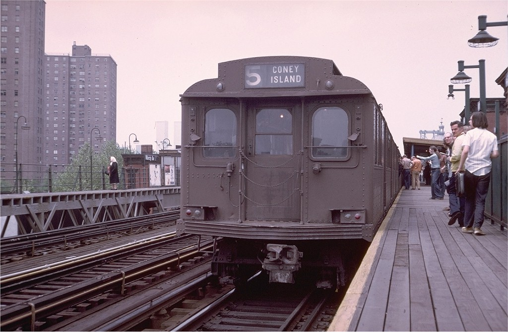 (183k, 1024x669)<br><b>Country:</b> United States<br><b>City:</b> New York<br><b>System:</b> New York City Transit<br><b>Line:</b> BMT Nassau Street/Jamaica Line<br><b>Location:</b> Marcy Avenue <br><b>Route:</b> Fan Trip<br><b>Car:</b> BMT D-Type Triplex 6095 <br><b>Photo by:</b> Doug Grotjahn<br><b>Collection of:</b> Joe Testagrose<br><b>Date:</b> 5/18/1975<br><b>Viewed (this week/total):</b> 1 / 3553