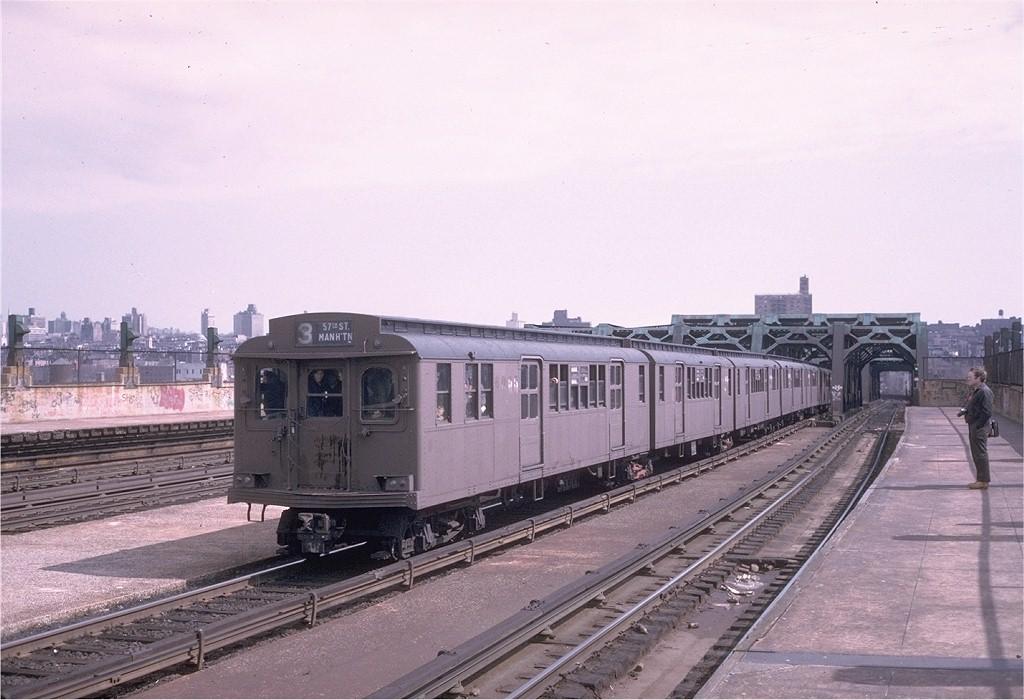 (179k, 1024x700)<br><b>Country:</b> United States<br><b>City:</b> New York<br><b>System:</b> New York City Transit<br><b>Line:</b> IND Crosstown Line<br><b>Location:</b> Smith/9th Street <br><b>Route:</b> Fan Trip<br><b>Car:</b> BMT D-Type Triplex 6095 <br><b>Photo by:</b> Steve Zabel<br><b>Collection of:</b> Joe Testagrose<br><b>Date:</b> 3/23/1974<br><b>Viewed (this week/total):</b> 1 / 3146
