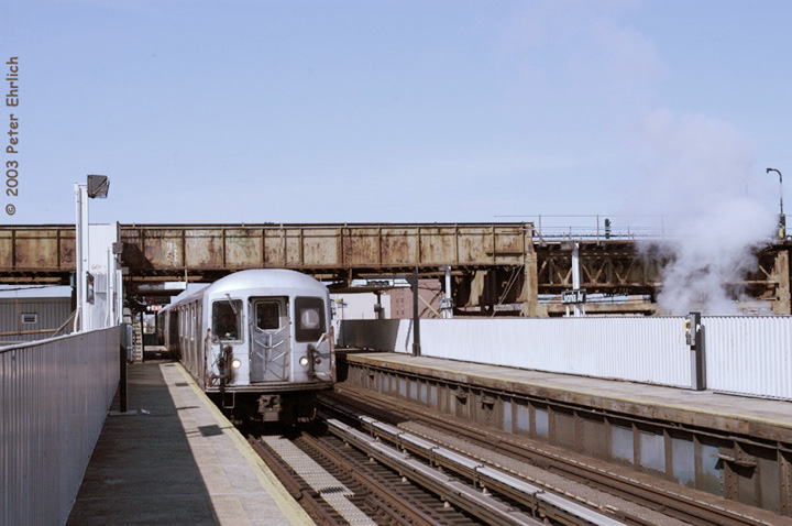 (119k, 720x478)<br><b>Country:</b> United States<br><b>City:</b> New York<br><b>System:</b> New York City Transit<br><b>Line:</b> BMT Canarsie Line<br><b>Location:</b> Livonia Avenue <br><b>Route:</b> L<br><b>Car:</b> R-42 (St. Louis, 1969-1970)  4728 <br><b>Photo by:</b> Peter Ehrlich<br><b>Date:</b> 3/4/2003<br><b>Viewed (this week/total):</b> 2 / 4510