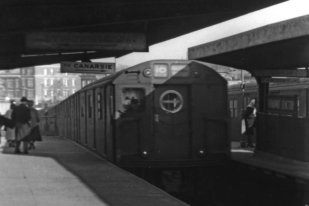 (232k, 1044x711)<br><b>Country:</b> United States<br><b>City:</b> New York<br><b>System:</b> New York City Transit<br><b>Line:</b> BMT Canarsie Line<br><b>Location:</b> Broadway Junction <br><b>Route:</b> BMT 16<br><b>Car:</b> R-16 (American Car & Foundry, 1955)  <br><b>Collection of:</b> David Pirmann<br><b>Viewed (this week/total):</b> 3 / 3588