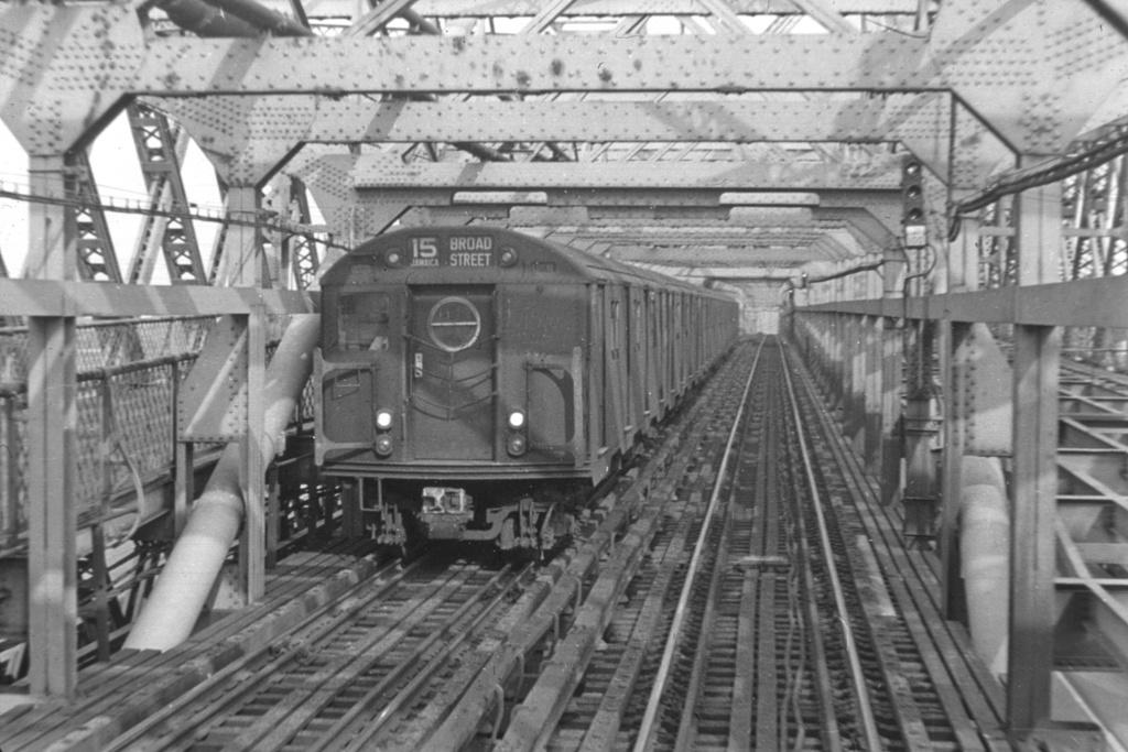 (247k, 1024x683)<br><b>Country:</b> United States<br><b>City:</b> New York<br><b>System:</b> New York City Transit<br><b>Line:</b> BMT Nassau Street/Jamaica Line<br><b>Location:</b> Williamsburg Bridge<br><b>Route:</b> BMT 15<br><b>Car:</b> R-16 (American Car & Foundry, 1955)  <br><b>Collection of:</b> David Pirmann<br><b>Viewed (this week/total):</b> 0 / 4694