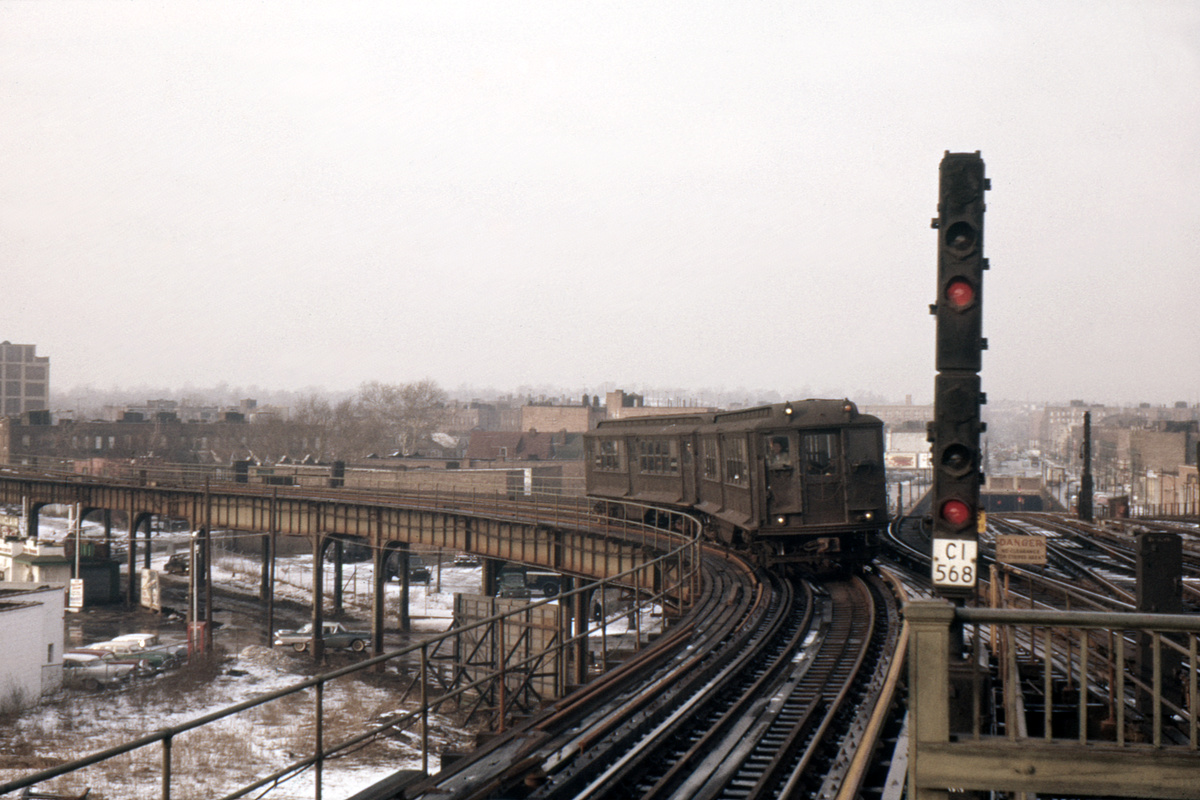 (380k, 1024x682)<br><b>Country:</b> United States<br><b>City:</b> New York<br><b>System:</b> New York City Transit<br><b>Line:</b> BMT Culver Line<br><b>Location:</b> Ditmas Avenue-Shuttle<br><b>Car:</b> BMT-Low V  <br><b>Photo by:</b> Ed Davis, Sr.<br><b>Collection of:</b> David Pirmann<br><b>Viewed (this week/total):</b> 1 / 5493