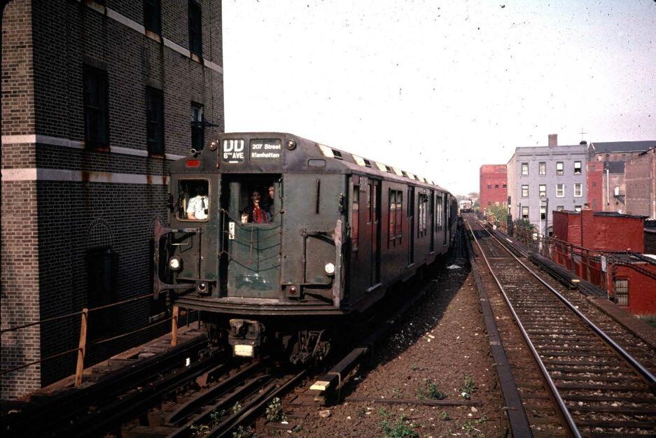(112k, 937x626)<br><b>Country:</b> United States<br><b>City:</b> New York<br><b>System:</b> New York City Transit<br><b>Line:</b> BMT Franklin<br><b>Location:</b> Park Place <br><b>Route:</b> Fan Trip<br><b>Car:</b> R-10 (American Car & Foundry, 1948) 3018 <br><b>Photo by:</b> Glenn L. Rowe<br><b>Date:</b> 10/29/1989<br><b>Viewed (this week/total):</b> 3 / 7947