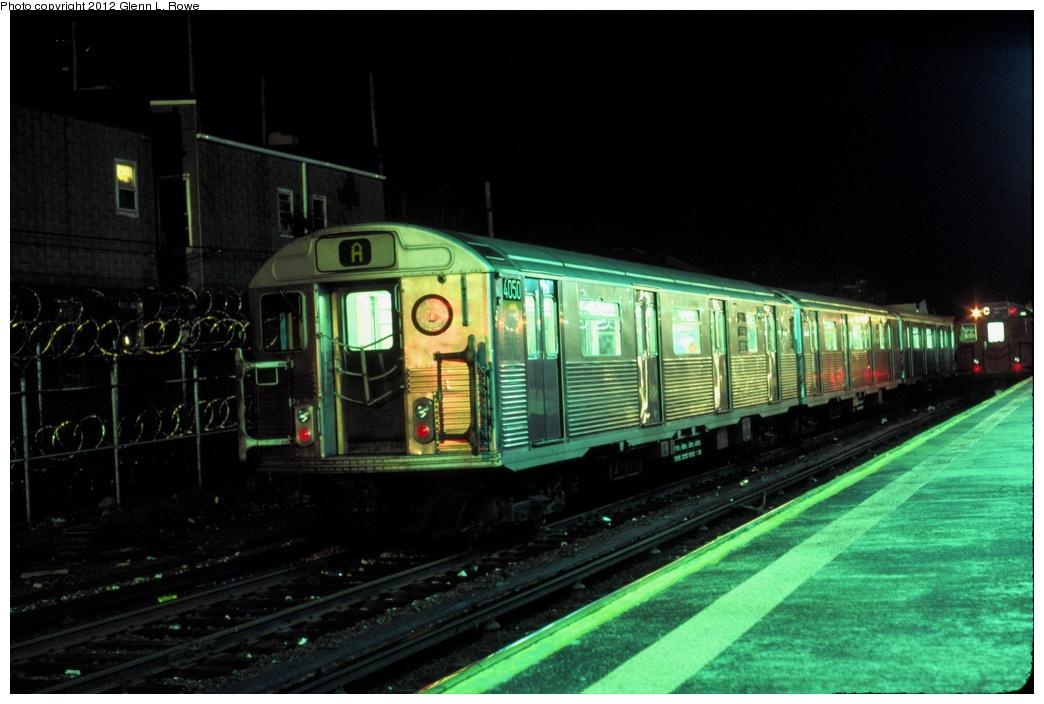 (247k, 1044x704)<br><b>Country:</b> United States<br><b>City:</b> New York<br><b>System:</b> New York City Transit<br><b>Location:</b> Rockaway Park Yard<br><b>Car:</b> R-38 (St. Louis, 1966-1967)  4050 <br><b>Photo by:</b> Glenn L. Rowe<br><b>Date:</b> 12/1/1990<br><b>Viewed (this week/total):</b> 0 / 7778