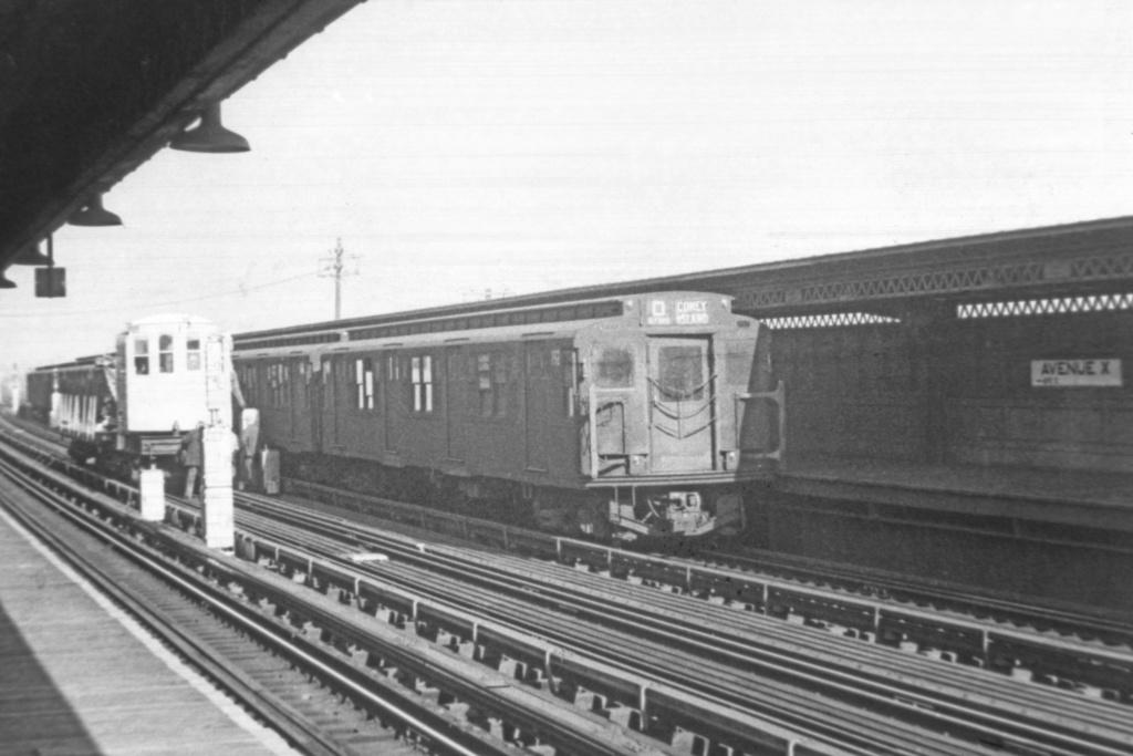 (310k, 1044x714)<br><b>Country:</b> United States<br><b>City:</b> New York<br><b>System:</b> New York City Transit<br><b>Line:</b> BMT Culver Line<br><b>Location:</b> Avenue X <br><b>Route:</b> D<br><b>Car:</b> R-1 (American Car & Foundry, 1930-1931) 162 <br><b>Collection of:</b> David Pirmann<br><b>Viewed (this week/total):</b> 1 / 3547