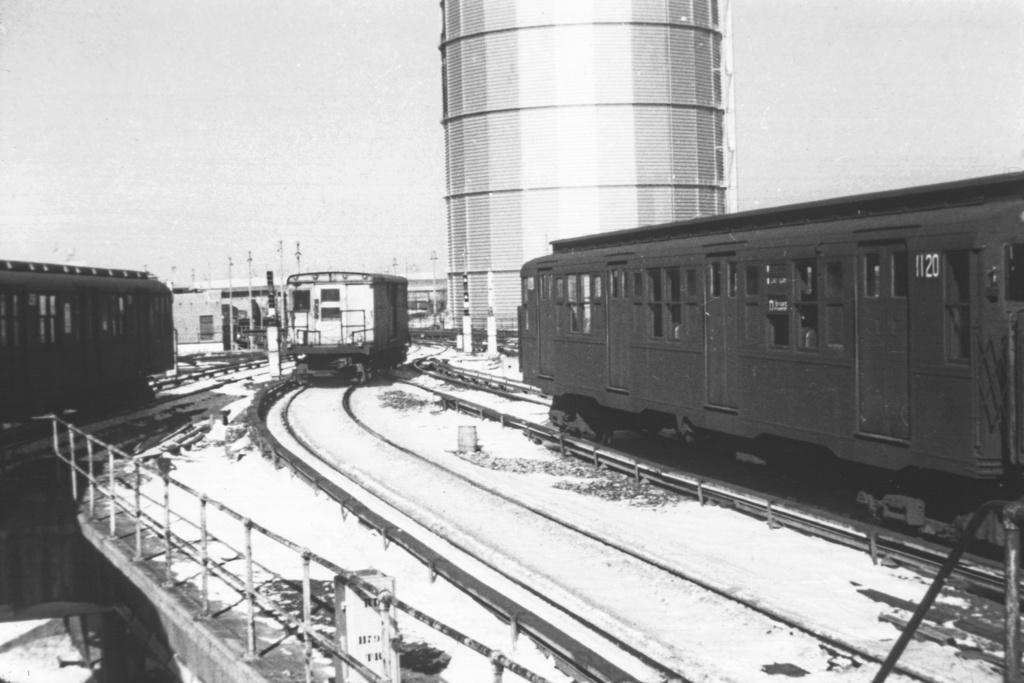 (207k, 1024x683)<br><b>Country:</b> United States<br><b>City:</b> New York<br><b>System:</b> New York City Transit<br><b>Location:</b> Coney Island/Stillwell Avenue<br><b>Car:</b> R-6-3 (American Car & Foundry, 1935)  1120 <br><b>Collection of:</b> David Pirmann<br><b>Viewed (this week/total):</b> 1 / 4051
