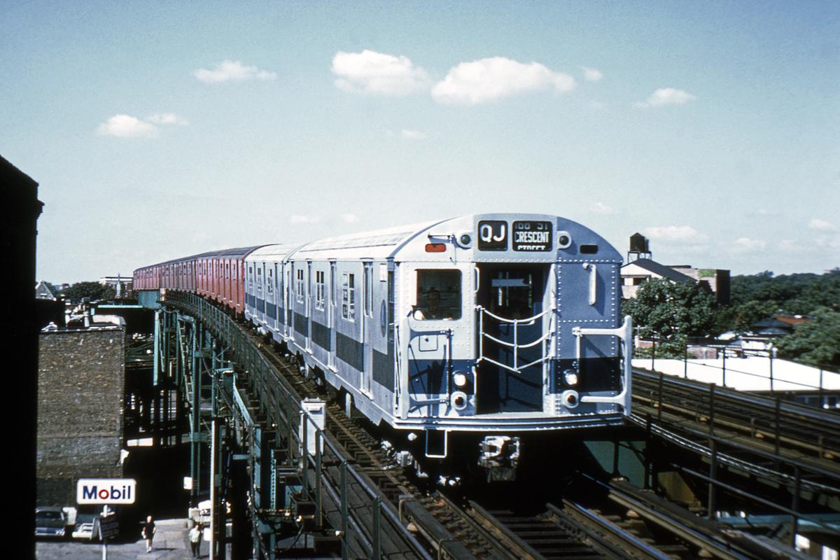 (390k, 1044x712)<br><b>Country:</b> United States<br><b>City:</b> New York<br><b>System:</b> New York City Transit<br><b>Line:</b> BMT Nassau Street/Jamaica Line<br><b>Location:</b> 121st Street <br><b>Route:</b> QJ<br><b>Car:</b> R-27/R-30 Series (Number Unknown)  <br><b>Collection of:</b> David Pirmann<br><b>Viewed (this week/total):</b> 4 / 6612