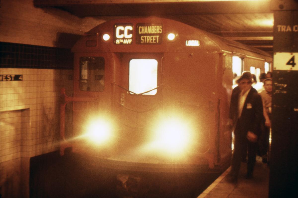 (347k, 1044x724)<br><b>Country:</b> United States<br><b>City:</b> New York<br><b>System:</b> New York City Transit<br><b>Line:</b> IND 8th Avenue Line<br><b>Location:</b> West 4th Street/Washington Square <br><b>Route:</b> CC<br><b>Car:</b> R-30 (St. Louis, 1961) 8418 <br><b>Collection of:</b> David Pirmann<br><b>Viewed (this week/total):</b> 6 / 4325