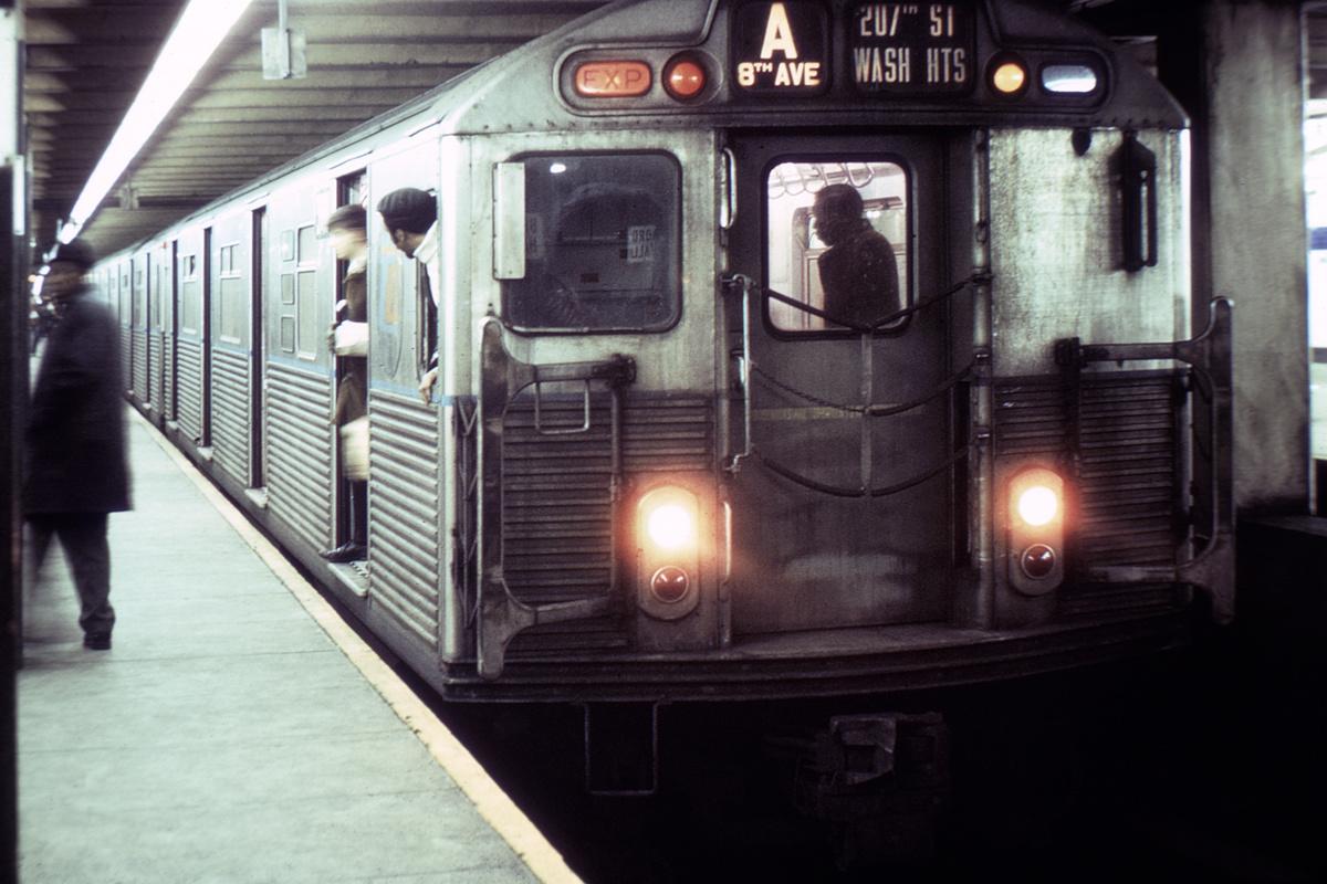(402k, 1044x712)<br><b>Country:</b> United States<br><b>City:</b> New York<br><b>System:</b> New York City Transit<br><b>Line:</b> IND 8th Avenue Line<br><b>Location:</b> Jay St./Metrotech (Borough Hall) <br><b>Route:</b> A<br><b>Car:</b> R-38 (St. Louis, 1966-1967)   <br><b>Collection of:</b> David Pirmann<br><b>Viewed (this week/total):</b> 5 / 5125
