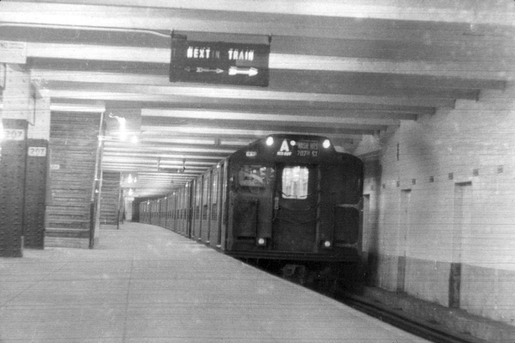 (227k, 1024x683)<br><b>Country:</b> United States<br><b>City:</b> New York<br><b>System:</b> New York City Transit<br><b>Line:</b> IND 8th Avenue Line<br><b>Location:</b> 207th Street <br><b>Route:</b> A<br><b>Car:</b> R-10 (American Car & Foundry, 1948)  <br><b>Collection of:</b> David Pirmann<br><b>Viewed (this week/total):</b> 0 / 6284