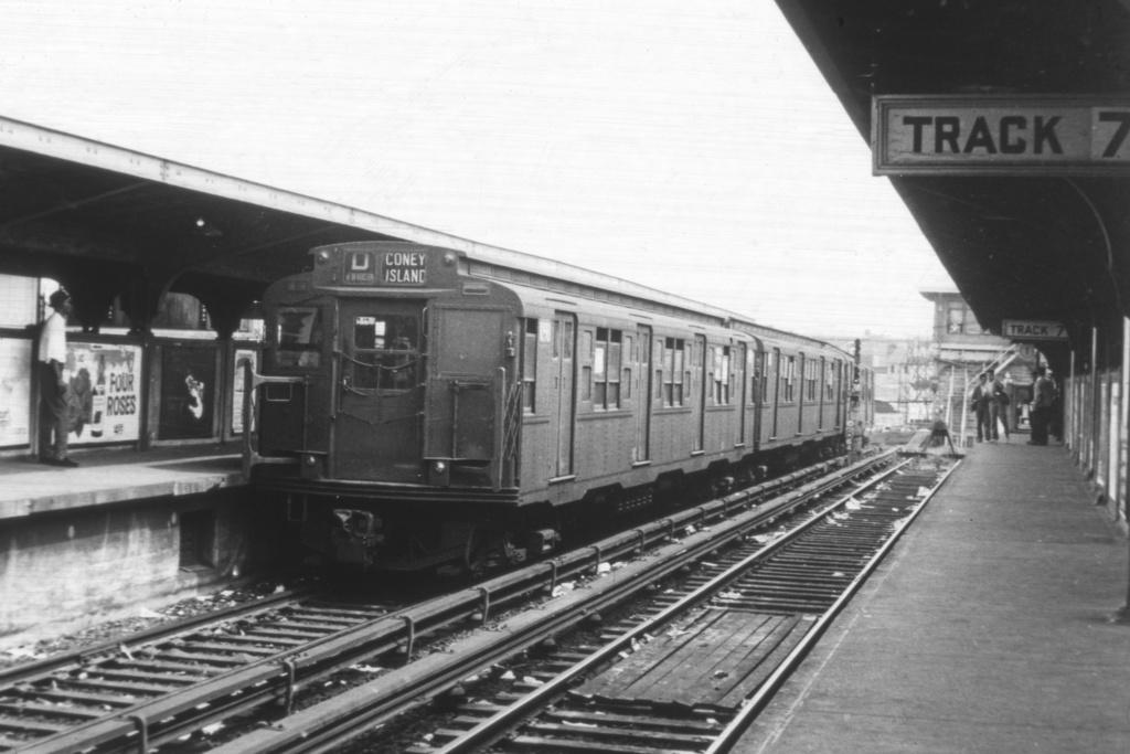 (204k, 1024x683)<br><b>Country:</b> United States<br><b>City:</b> New York<br><b>System:</b> New York City Transit<br><b>Location:</b> Coney Island/Stillwell Avenue<br><b>Route:</b> D<br><b>Car:</b> R-6-3 (American Car & Foundry, 1935)  1098 <br><b>Collection of:</b> David Pirmann<br><b>Viewed (this week/total):</b> 2 / 3210