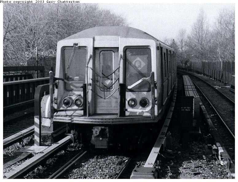 (110k, 775x591)<br><b>Country:</b> United States<br><b>City:</b> New York<br><b>System:</b> New York City Transit<br><b>Line:</b> BMT Brighton Line<br><b>Location:</b> Sheepshead Bay <br><b>Route:</b> Q<br><b>Car:</b> R-40 (St. Louis, 1968)  4152 <br><b>Photo by:</b> Gary Chatterton<br><b>Date:</b> 3/25/2003<br><b>Viewed (this week/total):</b> 2 / 3453