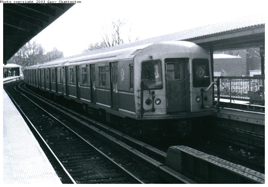 (89k, 855x596)<br><b>Country:</b> United States<br><b>City:</b> New York<br><b>System:</b> New York City Transit<br><b>Line:</b> BMT Brighton Line<br><b>Location:</b> Sheepshead Bay <br><b>Route:</b> Q<br><b>Car:</b> R-40M (St. Louis, 1969)  4527 <br><b>Photo by:</b> Gary Chatterton<br><b>Date:</b> 3/25/2003<br><b>Viewed (this week/total):</b> 0 / 3409