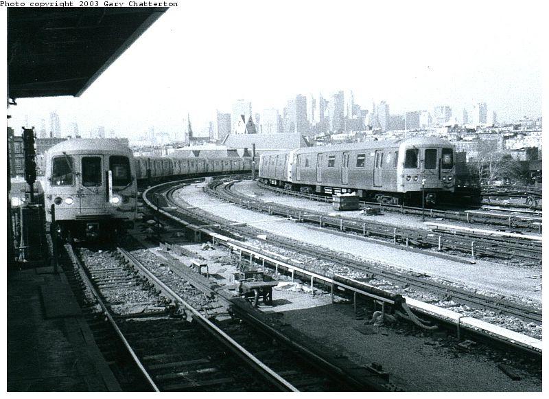 (102k, 800x581)<br><b>Country:</b> United States<br><b>City:</b> New York<br><b>System:</b> New York City Transit<br><b>Line:</b> IND Crosstown Line<br><b>Location:</b> Smith/9th Street <br><b>Route:</b> F<br><b>Car:</b> R-46 (Pullman-Standard, 1974-75) 5596 <br><b>Photo by:</b> Gary Chatterton<br><b>Date:</b> 3/25/2003<br><b>Notes:</b> With R46 6030<br><b>Viewed (this week/total):</b> 0 / 5641