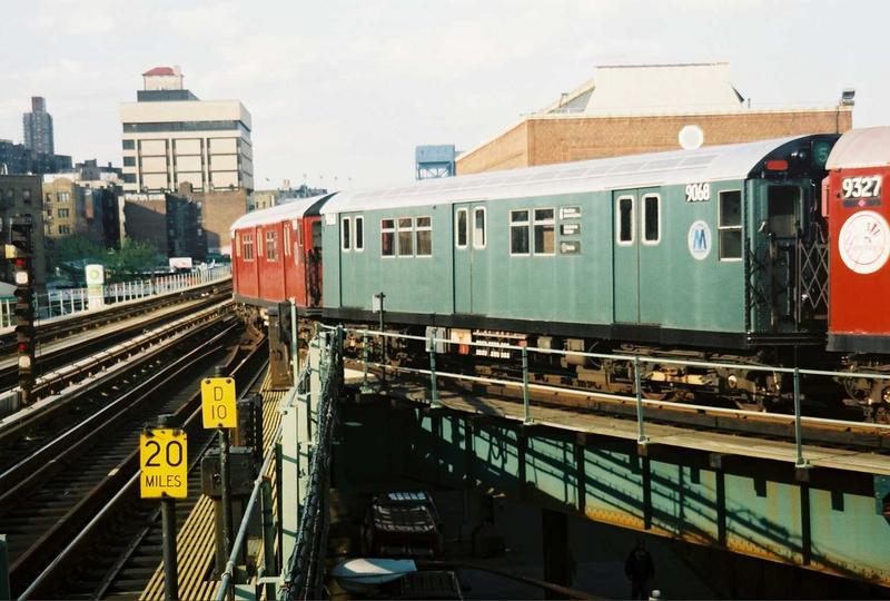 (77k, 800x540)<br><b>Country:</b> United States<br><b>City:</b> New York<br><b>System:</b> New York City Transit<br><b>Location:</b> 207th Street Yard<br><b>Route:</b> Fan Trip<br><b>Car:</b> R-33 Main Line (St. Louis, 1962-63) 9068 <br><b>Photo by:</b> Gary Chatterton<br><b>Date:</b> 5/1/2005<br><b>Viewed (this week/total):</b> 0 / 3087