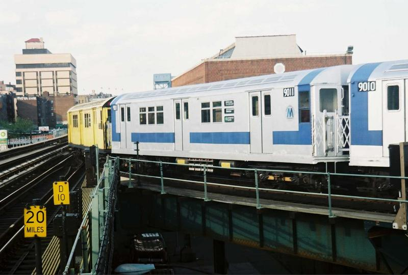 (60k, 800x540)<br><b>Country:</b> United States<br><b>City:</b> New York<br><b>System:</b> New York City Transit<br><b>Location:</b> 207th Street Yard<br><b>Route:</b> Fan Trip<br><b>Car:</b> R-33 Main Line (St. Louis, 1962-63) 9011 <br><b>Photo by:</b> Gary Chatterton<br><b>Date:</b> 5/1/2005<br><b>Viewed (this week/total):</b> 0 / 2602