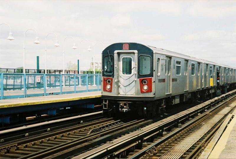 (73k, 800x540)<br><b>Country:</b> United States<br><b>City:</b> New York<br><b>System:</b> New York City Transit<br><b>Line:</b> IRT White Plains Road Line<br><b>Location:</b> 238th Street (Nereid Avenue) <br><b>Route:</b> 2<br><b>Car:</b> R-142 (Primary Order, Bombardier, 1999-2002)  6585 <br><b>Photo by:</b> Gary Chatterton<br><b>Date:</b> 5/1/2005<br><b>Viewed (this week/total):</b> 0 / 4385