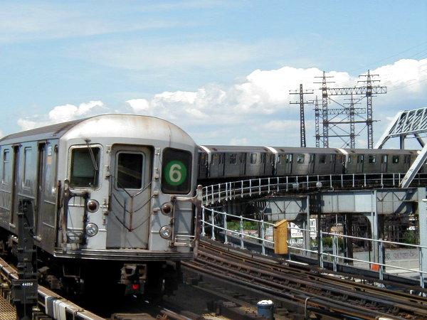 (77k, 600x450)<br><b>Country:</b> United States<br><b>City:</b> New York<br><b>System:</b> New York City Transit<br><b>Line:</b> IRT Pelham Line<br><b>Location:</b> Whitlock Avenue <br><b>Route:</b> 6<br><b>Car:</b> R-62A (Bombardier, 1984-1987)   <br><b>Photo by:</b> Trevor Logan<br><b>Date:</b> 6/27/2001<br><b>Viewed (this week/total):</b> 3 / 9587