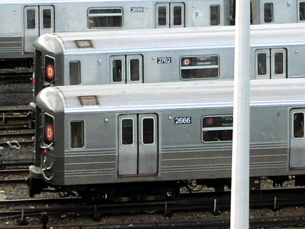 (71k, 600x450)<br><b>Country:</b> United States<br><b>City:</b> New York<br><b>System:</b> New York City Transit<br><b>Location:</b> Concourse Yard<br><b>Car:</b> R-68 (Westinghouse-Amrail, 1986-1988)  2666 <br><b>Photo by:</b> Trevor Logan<br><b>Date:</b> 7/15/2001<br><b>Viewed (this week/total):</b> 5 / 5128