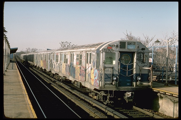 (127k, 768x512)<br><b>Country:</b> United States<br><b>City:</b> New York<br><b>System:</b> New York City Transit<br><b>Line:</b> BMT Canarsie Line<br><b>Location:</b> New Lots Avenue <br><b>Route:</b> LL<br><b>Car:</b> R-16 (American Car & Foundry, 1955) 6462 <br><b>Photo by:</b> Ed McKernan<br><b>Collection of:</b> Joe Testagrose<br><b>Date:</b> 3/21/1977<br><b>Viewed (this week/total):</b> 1 / 5311