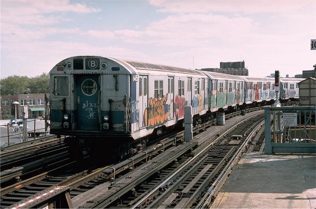 (236k, 1024x676)<br><b>Country:</b> United States<br><b>City:</b> New York<br><b>System:</b> New York City Transit<br><b>Line:</b> BMT West End Line<br><b>Location:</b> 25th Avenue <br><b>Route:</b> B<br><b>Car:</b> R-16 (American Car & Foundry, 1955) 6485 <br><b>Photo by:</b> Doug Grotjahn<br><b>Collection of:</b> Joe Testagrose<br><b>Date:</b> 10/10/1976<br><b>Viewed (this week/total):</b> 3 / 5358