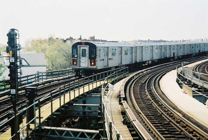 (88k, 800x540)<br><b>Country:</b> United States<br><b>City:</b> New York<br><b>System:</b> New York City Transit<br><b>Line:</b> IRT White Plains Road Line<br><b>Location:</b> East 180th Street <br><b>Route:</b> 2<br><b>Car:</b> R-142 (Primary Order, Bombardier, 1999-2002)  6400 <br><b>Photo by:</b> Gary Chatterton<br><b>Date:</b> 5/1/2005<br><b>Viewed (this week/total):</b> 0 / 3517