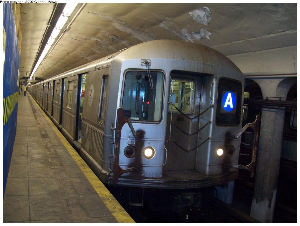 (193k, 1044x788)<br><b>Country:</b> United States<br><b>City:</b> New York<br><b>System:</b> New York City Transit<br><b>Line:</b> IND 8th Avenue Line<br><b>Location:</b> 190th Street/Overlook Terrace <br><b>Route:</b> A<br><b>Car:</b> R-40M (St. Louis, 1969)  4451 <br><b>Photo by:</b> Glenn L. Rowe<br><b>Date:</b> 1/29/2009<br><b>Viewed (this week/total):</b> 2 / 1267