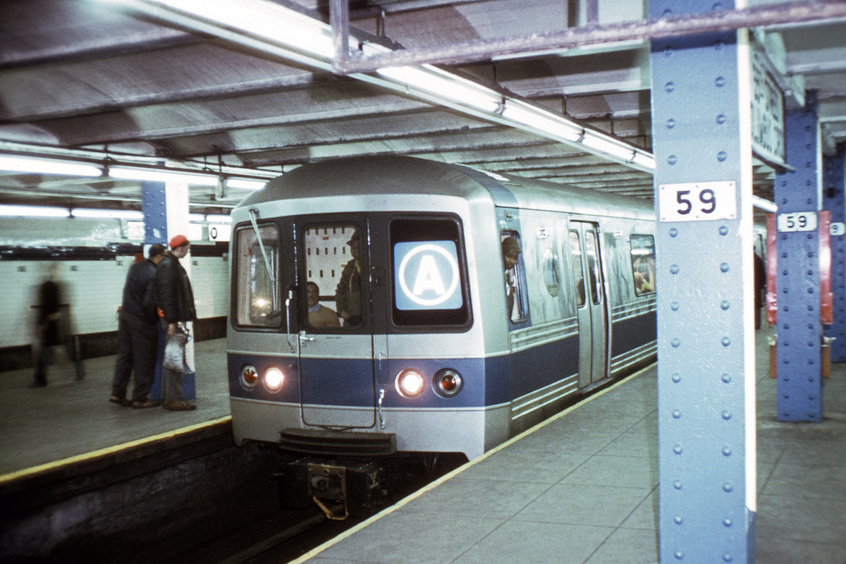 (380k, 1024x682)<br><b>Country:</b> United States<br><b>City:</b> New York<br><b>System:</b> New York City Transit<br><b>Line:</b> IND 8th Avenue Line<br><b>Location:</b> 59th Street/Columbus Circle <br><b>Car:</b> R-44 (St. Louis, 1971-73)  <br><b>Collection of:</b> David Pirmann<br><b>Viewed (this week/total):</b> 2 / 5348