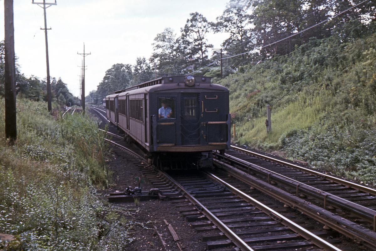 (493k, 1024x683)<br><b>Country:</b> United States<br><b>City:</b> New York<br><b>System:</b> New York City Transit<br><b>Line:</b> SIRT<br><b>Location:</b> Great Kills <br><b>Car:</b> SIRT  <br><b>Collection of:</b> David Pirmann<br><b>Date:</b> 12/1968<br><b>Notes:</b> Southbound view from northbound platform<br><b>Viewed (this week/total):</b> 0 / 5066