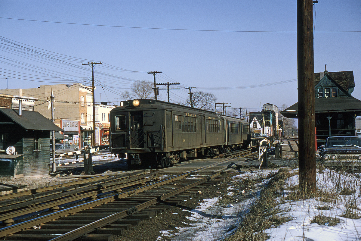 (403k, 1024x683)<br><b>Country:</b> United States<br><b>City:</b> New York<br><b>System:</b> New York City Transit<br><b>Line:</b> SIRT<br><b>Location:</b> New Dorp <br><b>Car:</b> SIRT ME-1 (Motor) 328 <br><b>Photo by:</b> Gerald H. Landau<br><b>Collection of:</b> David Pirmann<br><b>Date:</b> 2/1965<br><b>Viewed (this week/total):</b> 0 / 6233
