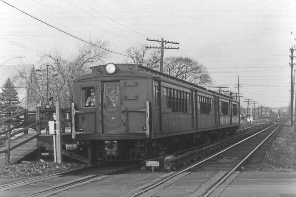 (217k, 1024x683)<br><b>Country:</b> United States<br><b>City:</b> New York<br><b>System:</b> New York City Transit<br><b>Line:</b> SIRT<br><b>Location:</b> Jefferson Avenue <br><b>Car:</b> SIRT  <br><b>Collection of:</b> David Pirmann<br><b>Viewed (this week/total):</b> 2 / 5021