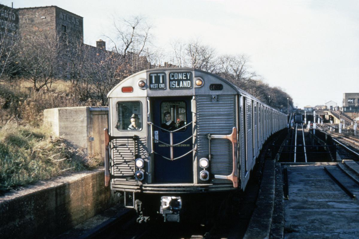 (337k, 1044x704)<br><b>Country:</b> United States<br><b>City:</b> New York<br><b>System:</b> New York City Transit<br><b>Line:</b> BMT West End Line<br><b>Location:</b> 9th Avenue <br><b>Route:</b> TT<br><b>Car:</b> R-32 (Budd, 1964)   <br><b>Photo by:</b> Richard Short<br><b>Collection of:</b> David Pirmann<br><b>Date:</b> 11/1966<br><b>Viewed (this week/total):</b> 0 / 5453