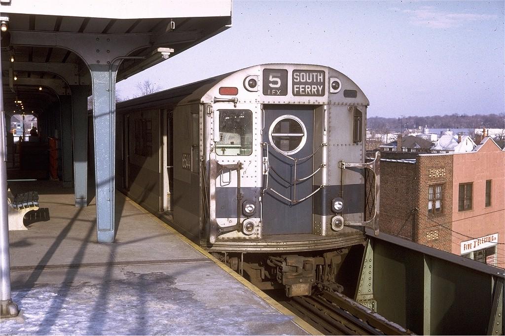 (242k, 1024x681)<br><b>Country:</b> United States<br><b>City:</b> New York<br><b>System:</b> New York City Transit<br><b>Line:</b> IRT Dyre Ave. Line<br><b>Location:</b> Dyre Avenue <br><b>Route:</b> 5<br><b>Car:</b> R-17 (St. Louis, 1955-56) 6544 <br><b>Photo by:</b> Doug Grotjahn<br><b>Collection of:</b> Joe Testagrose<br><b>Date:</b> 12/27/1970<br><b>Viewed (this week/total):</b> 3 / 4243