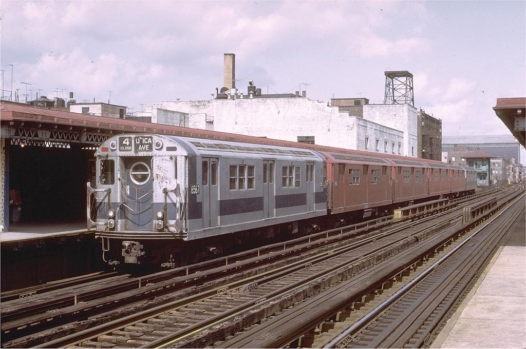(240k, 1024x681)<br><b>Country:</b> United States<br><b>City:</b> New York<br><b>System:</b> New York City Transit<br><b>Line:</b> IRT Woodlawn Line<br><b>Location:</b> Fordham Road <br><b>Route:</b> 4<br><b>Car:</b> R-17 (St. Louis, 1955-56) 6567 <br><b>Photo by:</b> Joe Testagrose<br><b>Date:</b> 4/2/1972<br><b>Viewed (this week/total):</b> 0 / 3513