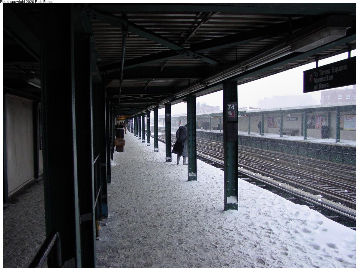 (82k, 820x620)<br><b>Country:</b> United States<br><b>City:</b> New York<br><b>System:</b> New York City Transit<br><b>Line:</b> IRT Flushing Line<br><b>Location:</b> 74th Street/Broadway <br><b>Route:</b> 7<br><b>Photo by:</b> Richard Panse<br><b>Date:</b> 2/17/2003<br><b>Viewed (this week/total):</b> 0 / 4117